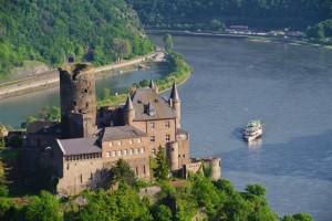 Germania - Castello sul fiume Reno